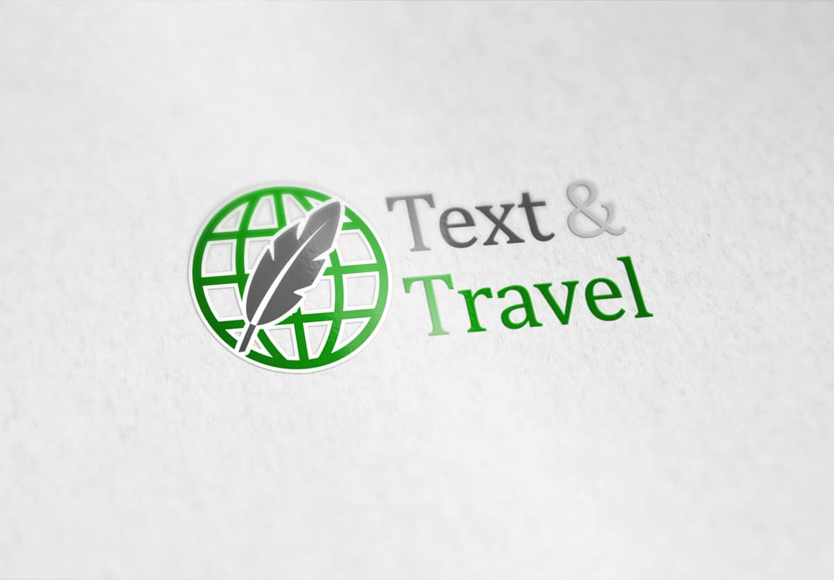 Text & Travel logo